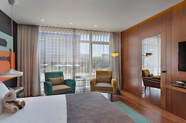 בית מלון ישרוטל פאבליקה תל-אביב והמרכז - חדר פאבליקה נוף ליער