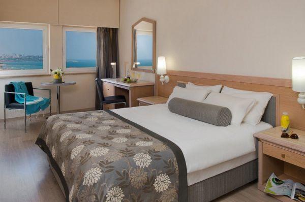 בית מלון תל-אביב והמרכז לאונרדו ארט  - חדר סופריור
