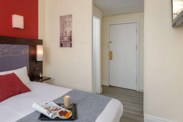 בית מלון תל-אביב והמרכז לאונרדו ביץ