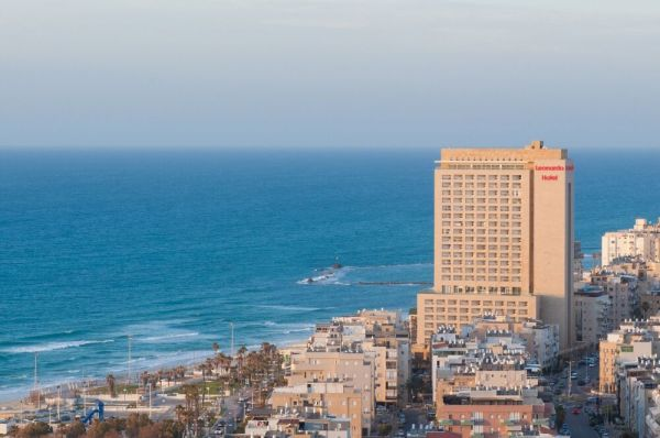 בית מלון לאונרדו סיטי טאואר ב תל-אביב והמרכז