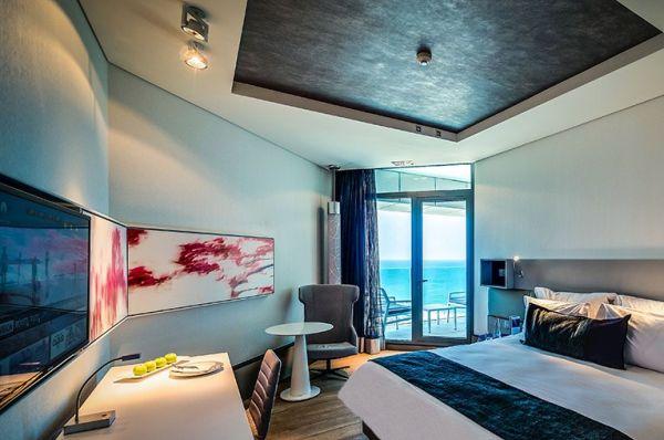 מלון יוקרה ישרוטל רויאל ביץ בתל-אביב והמרכז - בלוויסטה