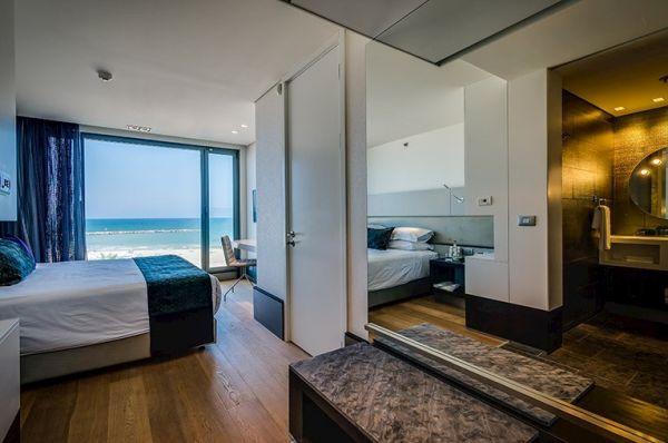 בית מלון ישרוטל רויאל ביץ 5 כוכבים בתל-אביב והמרכז - מיני סוויטה