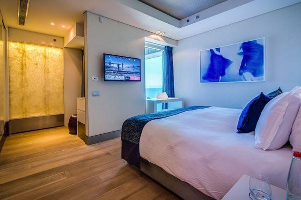 בית מלון ישרוטל רויאל ביץ 5 כוכבים בתל-אביב והמרכז - סוויטה נשיאותית