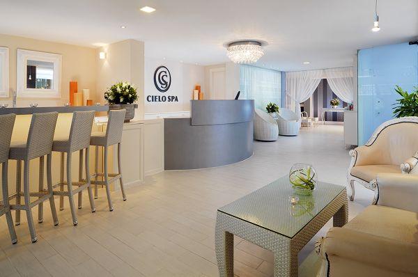 בית מלון יוקרתי שרתון תל-אביב והמרכז