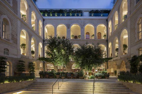 בית מלון יוקרתי The Jaffa בתל-אביב והמרכז