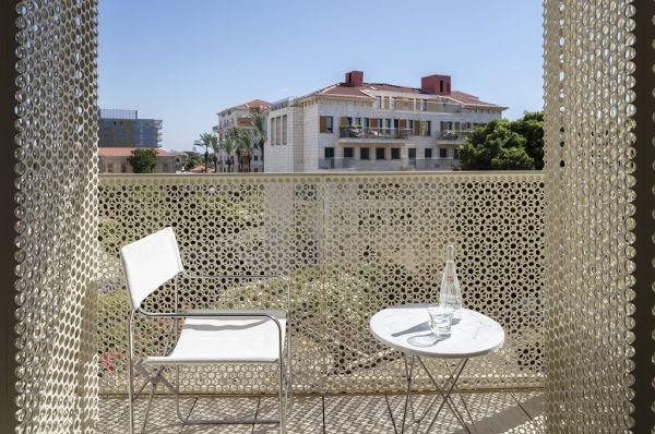 מלון יוקרה The Jaffa בתל-אביב והמרכז - דלאקס עם מרפסת