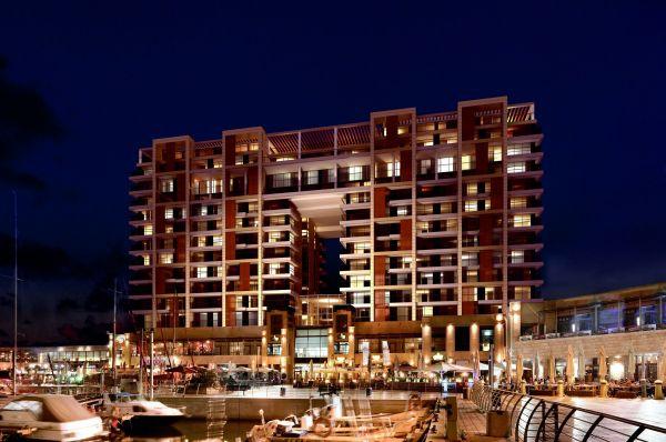 מלון יוקרתי ריץ קרלטון בתל-אביב והמרכז