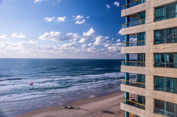 בית מלון אוקיינוס ב תל-אביב והמרכז