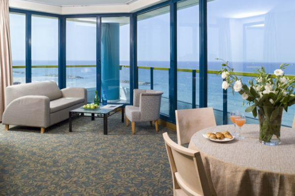 בית מלון תל-אביב והמרכז אוקיינוס