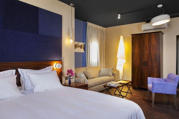 בית מלון פורט אנד בלו  תל-אביב והמרכז