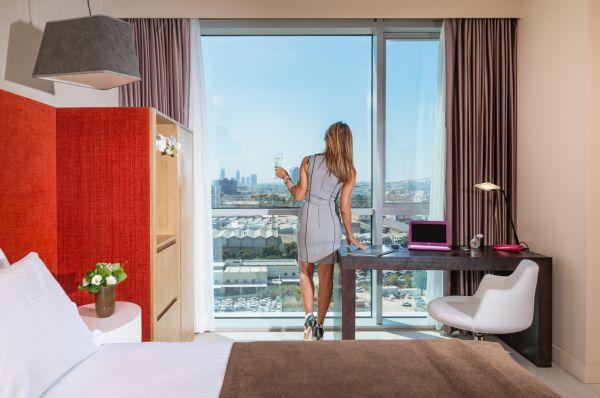 בית מלון תל-אביב והמרכז פרימה לינק
