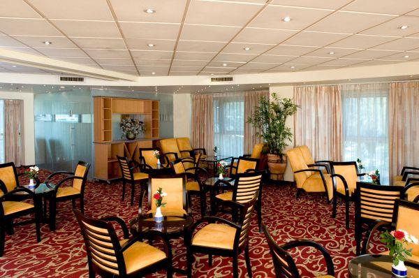 בית מלון אופטימה טאואר תל-אביב והמרכז