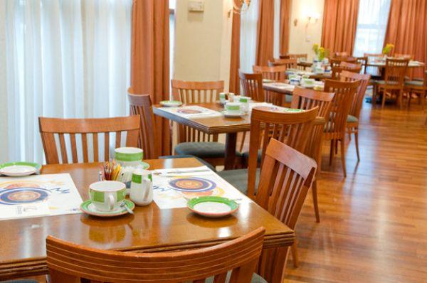 בית מלון תל-אביב והמרכז אופטימה טאואר