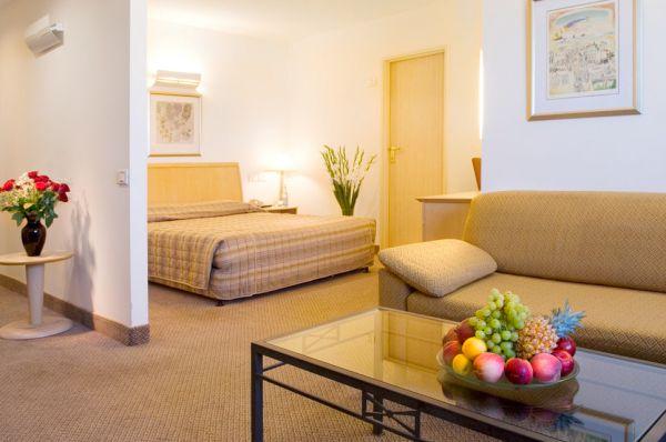 בית מלון אופטימה טאואר ב תל-אביב והמרכז - סוויטה ג'וניור