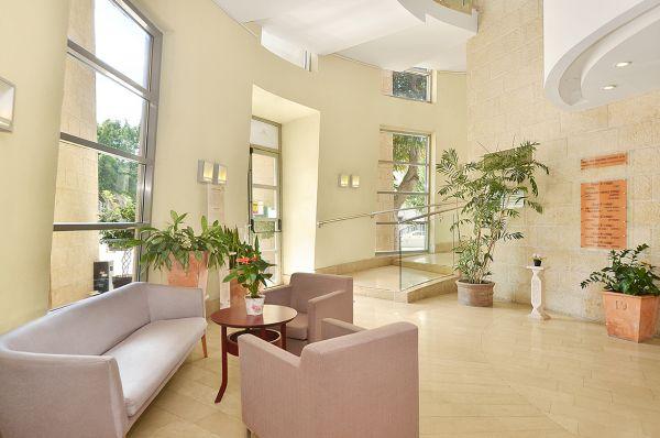 בית מלון רות דניאל תל-אביב והמרכז
