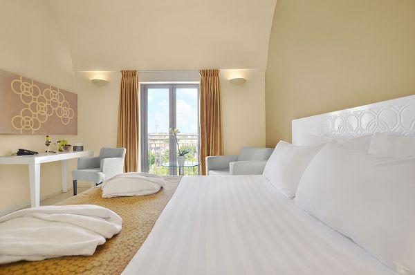 בית מלון רות דניאל ב תל-אביב והמרכז - חדר קראון