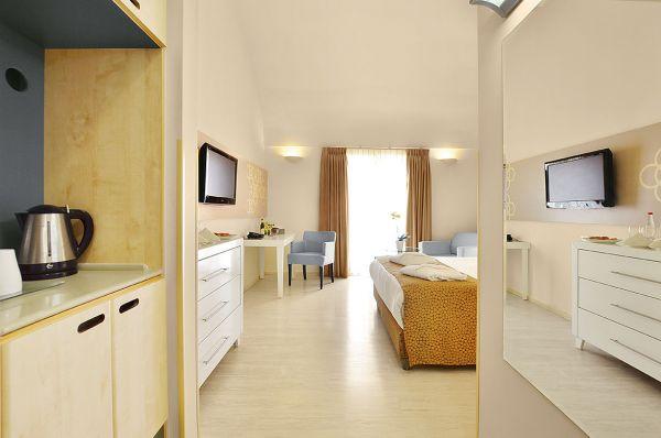 гостиница Рут Даниель Резиденс Тель Авив - חדר קראון