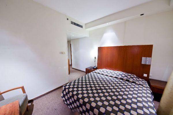 בית מלון תל-אביב והמרכז סי נט