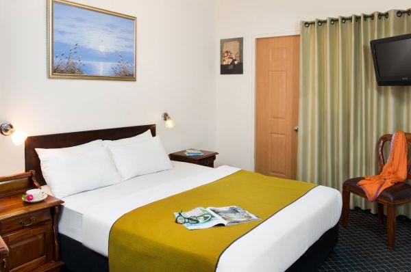 בית מלון סאן סיטי תל-אביב והמרכז