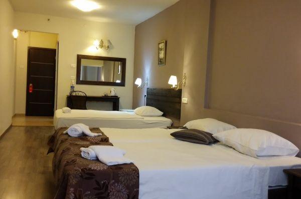 בית מלון אסטוריה ב טבריה, סובב כנרת ועמקים - חדר סטנדרט משפחתי