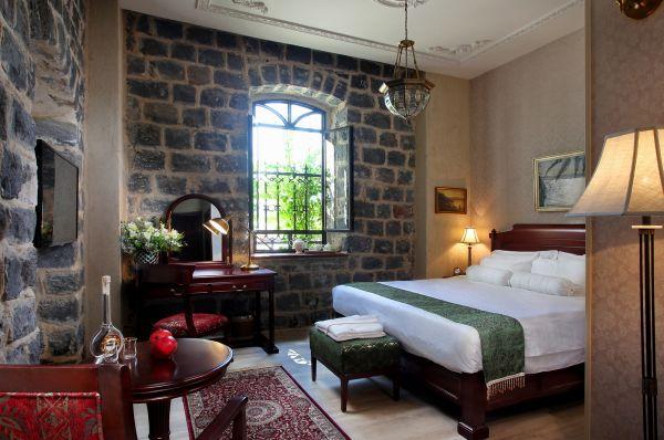 אירופה 1917 מלון בוטיק בטבריה, סובב כנרת ועמקים - חדר דלקס