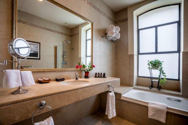 מלון בוטיק הסקוטי בטבריה, סובב כנרת ועמקים - חדר ענתיק