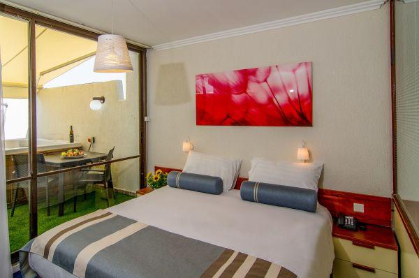 отель Клаб Отель - комната-сад с джакузи