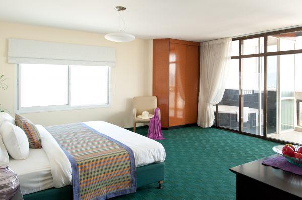 בית מלון ג'ייקוב ב טבריה, סובב כנרת ועמקים - חדר משפחתי