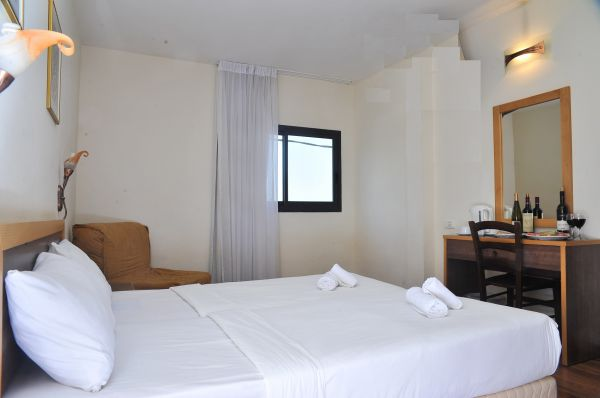 בית מלון טבריה, סובב כנרת ועמקים לה פרלה כנרת