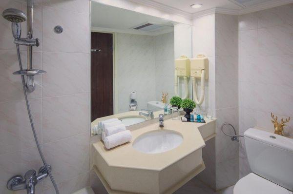 בית מלון לייק האוס טבריה, סובב כנרת ועמקים