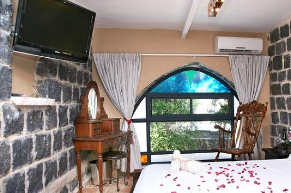 בית מלון שירת הים 5 כוכבים בטבריה, סובב כנרת ועמקים - חדרי אבן - ענתיק