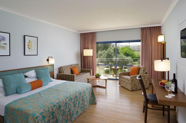 בית מלון נוף גינוסר טבריה, סובב כנרת ועמקים - חדר גרנד דלקס במלון