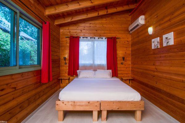 בית הארחה אוליב על הכנרת טבריה, סובב כנרת ועמקים - בקתות עץ