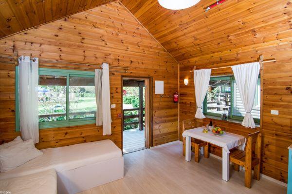 אוליב על הכנרת בית הארחה טבריה, סובב כנרת ועמקים - בקתות עץ