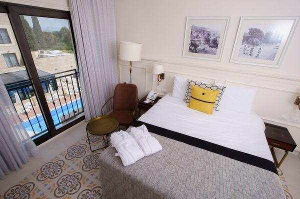 בית מלון אדמונד גליל עליון והגולן - חדר דלקס פונה לבריכה