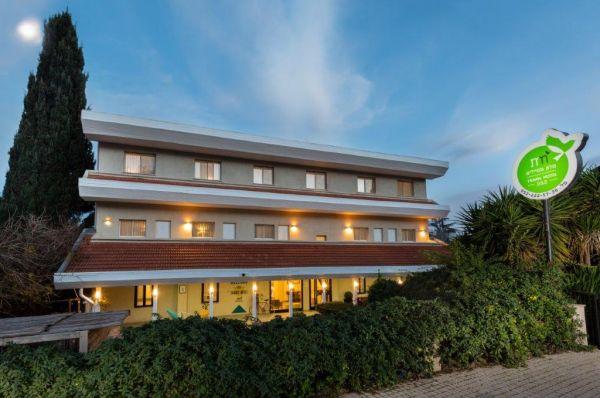 בית מלון מטיילים מטולה ב גליל עליון והגולן