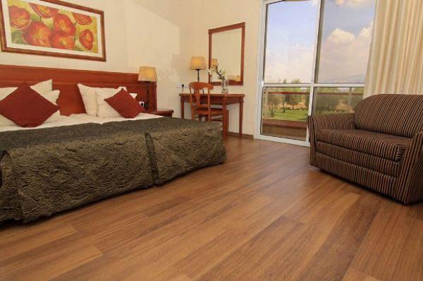 בית מלון פסטורל כפר בלום ב גליל עליון והגולן - חדר דלוקס