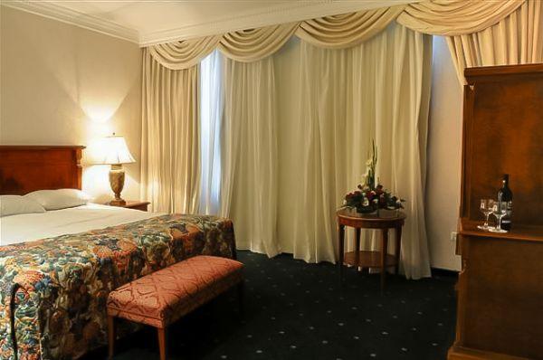 гостиница Плаза Голаны и В.Галилея