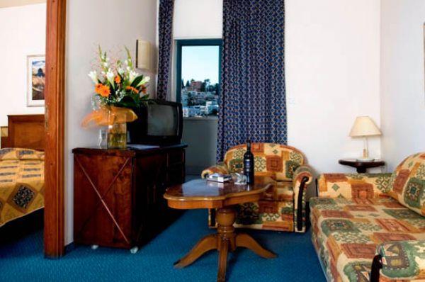 בית מלון רימונים המעיין ב גליל עליון והגולן