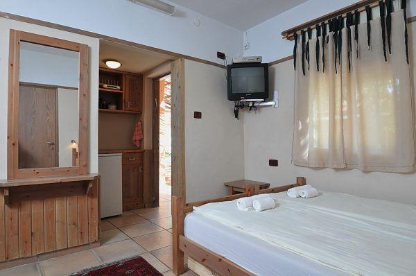 בית הארחה אפיק גליל עליון והגולן - חדרי אירוח