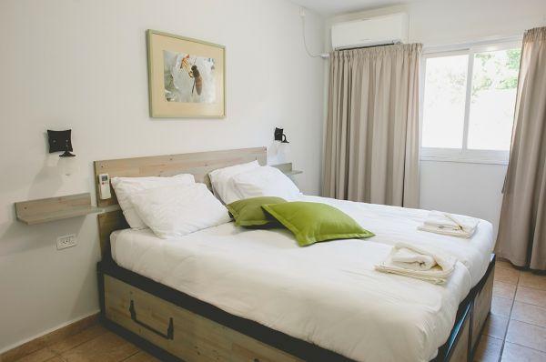 בית הארחה כפר הנופש תיירות עין זיוון לן בגולן בגליל עליון והגולן