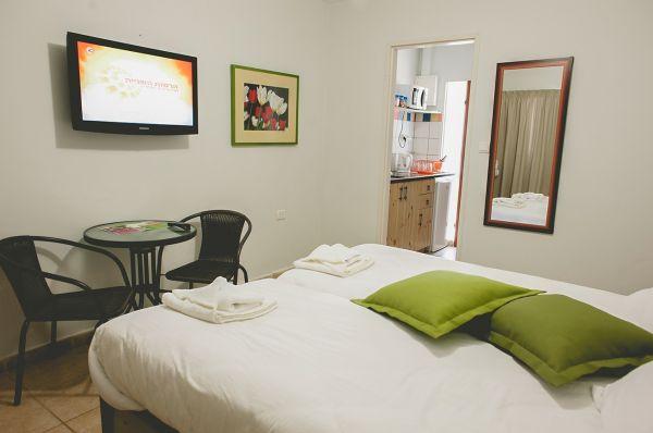 כפר הנופש תיירות עין זיוון לן בגולן בית הארחה גליל עליון והגולן