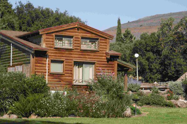 אירוח כפרי כפר הנופש תיירות עין זיוון לן בגולן