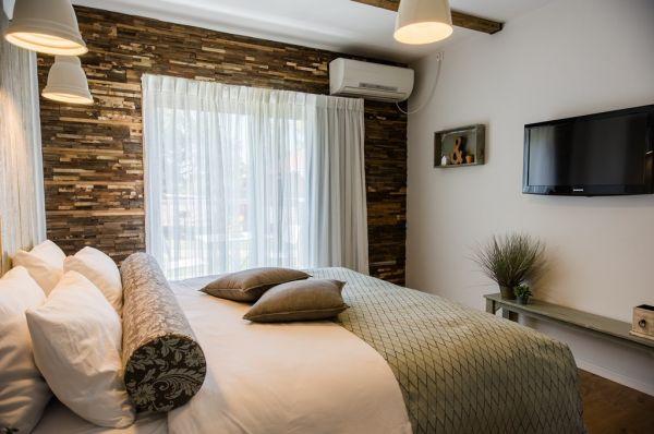 בית הארחה עין זיוון לן בגולן גליל עליון והגולן - חדר כרמים