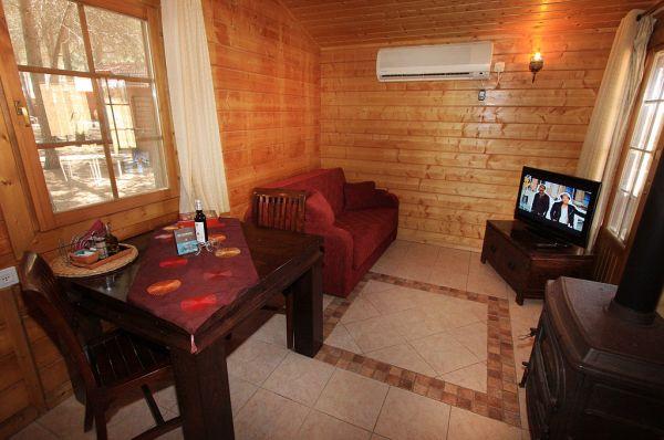 אורטל אירוח כפרי בגליל עליון והגולן - בקתות עץ