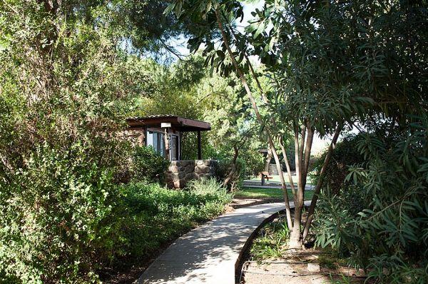 בית הארחה ורד הגליל גליל עליון והגולן - בקתה