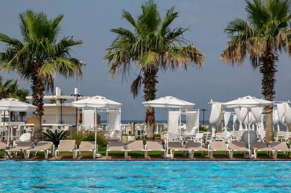 בית מלון חוף התמרים גליל מערבי
